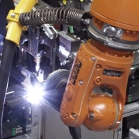 This welding robot needs only eight minutes for a 620 x 450 x 215 mm sized stainless steel enclosure