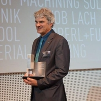 Development Group Manager Benedikt Rauscher at the award ceremony.